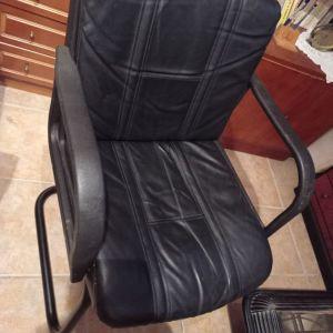 Καρέκλα δερμάτινη γραφείου