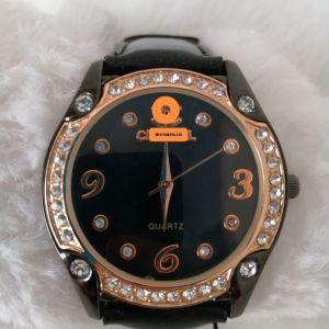 Ρολόι Ροζ Χρυσό με Στρας και Δερματινη σε Μαύρο Χρώμα