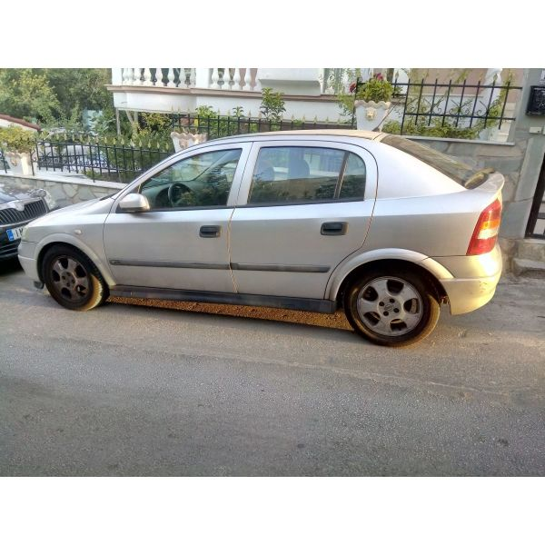 Opel Astra elegance  2002 me 153.000chlm timi 2.000€