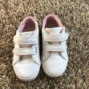 παπούτσια για κορίτσι exe