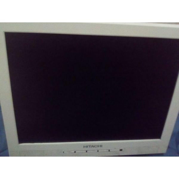 eponimo LCD othoni ipologistis HITACHY 18'' me ensomatomeno ichea archikis axias 160€ logo metakomisis stin poli chamili simvoliki timi tis iper efkerias 20€