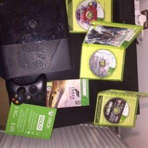 Xbox 360 500 GB Σε καλή κατάσταση + 4 Παιχνίδια + 1 Μήνα Δωρεάν Xbox Live Membership