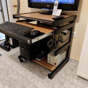 Γραφείο υπολογιστή μέταλλο και ξύλο