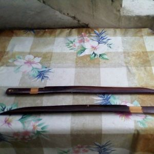 Ξύλινα διακοσμητικά σπαθιά πωλούνται