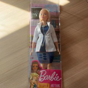 Παιχνίδι <<Κούκλα Barbie Doctor>>