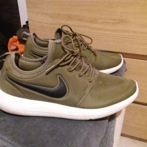Nike χακί 46