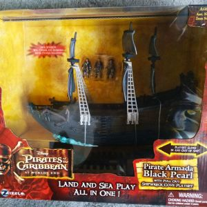Pirates of Caribbean Black pearl ship