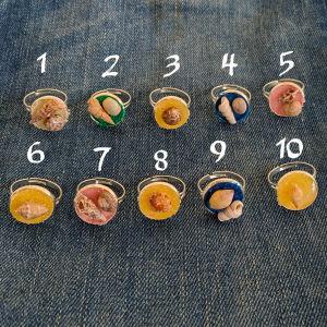 Δαχτυλίδια χειροποίητα με πολύχρωμη άμμο και κοχύλια - τιμή για 1 δαχτυλίδι
