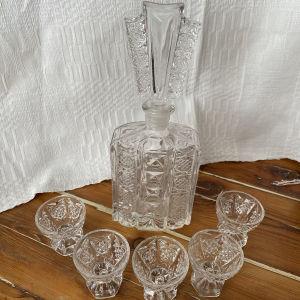 Κρυστάλλινο μπουκάλι με 5 κρυστάλλινα σφηνάκια
