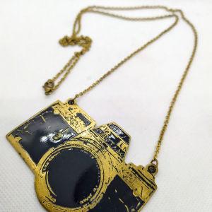 Μπρούτζινη αλυσίδα μακριά με πλακέτα φωτογραφική μηχανή εποχής Pentax