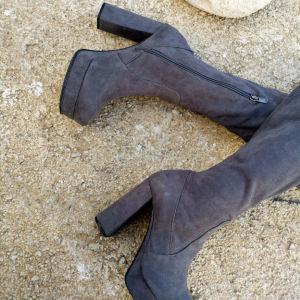 Ψηλοτάκουνες Γυναικείες Μπότες Γκρί