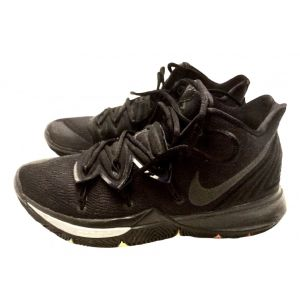 Nike Kyrie Five high trainers