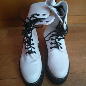 Μπότες άσπρες νούμερο 40