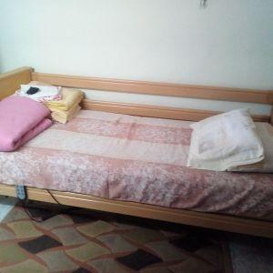 Νοσοκομειακό ηλεκτρικό κρεβάτι με κάγκελα και ροδακια