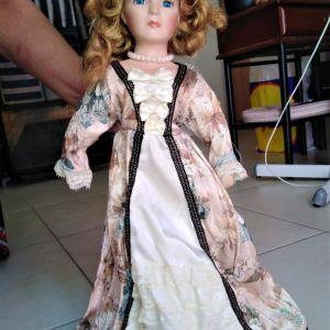 Πορσελάνινη κούκλα μεγάλη