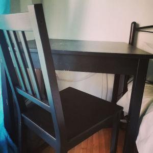 Τραπέζι κουζίνας με 2 καρέκλες