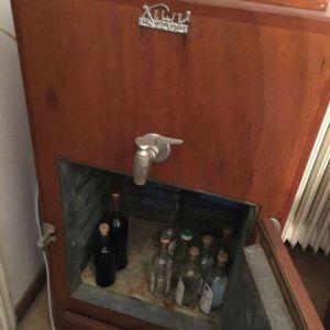 συλλεκτικό και λειτουργικο ψυγείο πάγου 50'ς σε άριστη κατάσταση