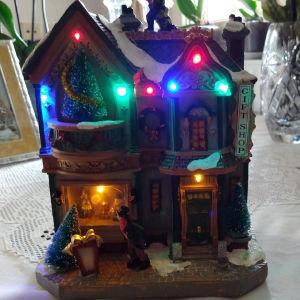 Χριστουγεννιάτικο διακοσμητικό σπιτάκι με φως