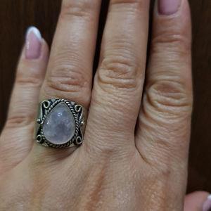 δαχτυλίδι χειροποίητο με πολύτιμη πέτρα