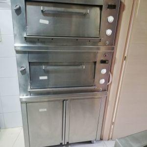 Φούρνος πίτσας  ηλεκτρικός για 4 πίτσες 30 cm στο κάθε πάτωμα 1  Διαστάσεις  0,88χ1,00χ,0,46