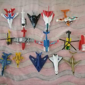 15 αεροπλάνα