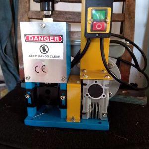 Αυτόματη μηχανή απογύμνωσης καλωδίων