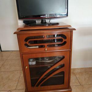 Έπιπλο τηλεόρασης με περιστρεφομενη βάση