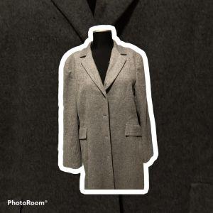 γκρι μακρύ παλτό