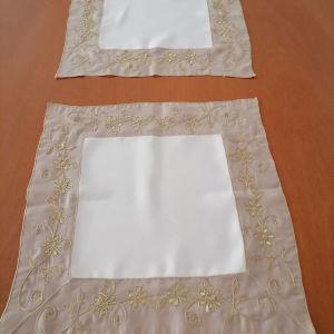 2 καρε πετσέτακια διαστασεις 0.38cm.x 0.38cm