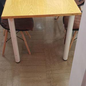 Τραπεζαρία με καρεκλες