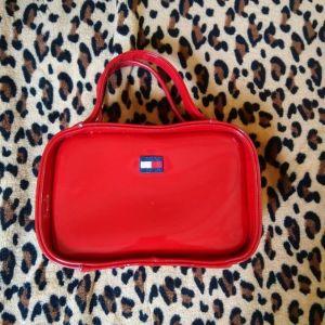 τσάντα χειρός TOMMY HILFIGER  κόκκινο χρώμα, λουστρίνι