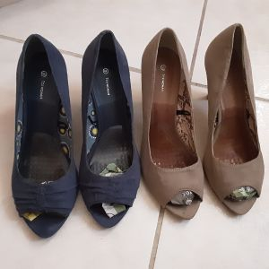 Peep toe (2 ζεύγη) - Και τα δύο ζεύγη 15 ευρώ ή 10 ευρώ το ένα