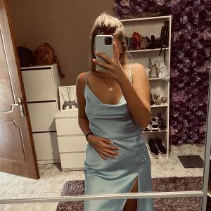 Φόρεμα baby blue midi