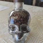 Μπουκαλι Vodka νεκροκεφαλη