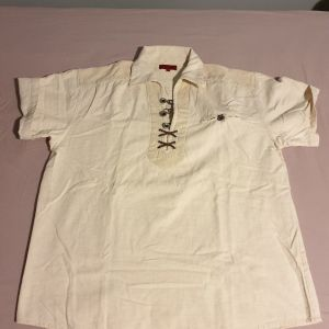 Πωλείται vintage λινό ανδρικό πουκάμισο σε πολύ καλή κατάσταση