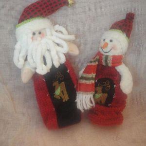 Διάφορα χειροποίητα χριστουγεννιάτικα στολίδια