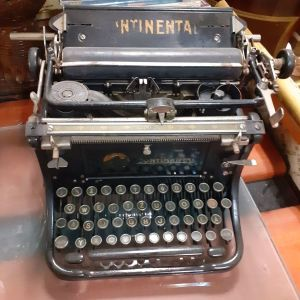 Γραφομηχανη αντικα