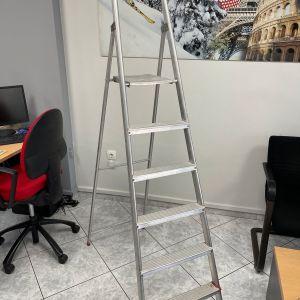 Σκάλα από αλουμίνιο σε άριστη κατάσταση