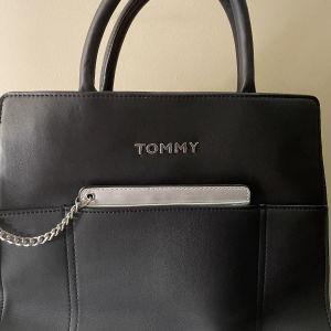 Τσάντα Tommy Hilfiger καινούργια
