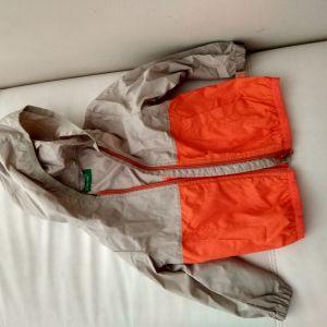 Unisex αδιάβροχο μπουφάν Benetton 2 years (90cm)
