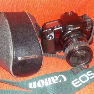 Φωτογραφική μηχανή CANON EOS.