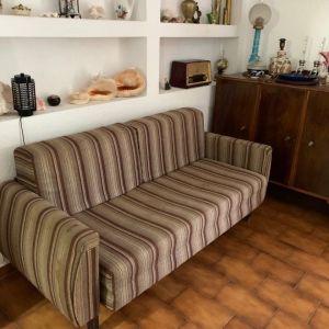 ο καναπές της γιαγιάς