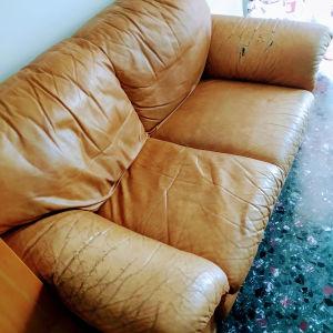 Δερματινος καναπές,ιταλικής κατασκευης