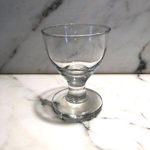 Αντικέ 8 γυάλινα ποτηράκια του λικέρ απο το παλιό υαλουργείο της Σύρου