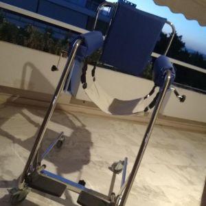 Γερανάκι-Κάθισμα ανασήκωσης και μεταφοράς body up για ηλικιωμένους και ανθρώπους με δυσκολία στη βάδιση.