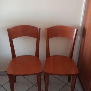 Δυο καρεκλες μασιφ ξυλο αχρησιμοποιητες