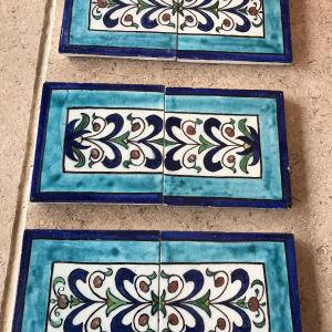παλιά πλακάκια τύπου Ιζνίκ ελληνικά . το καθένα διαστάσεις 15χ15 πωλούνται ανά σετ των 2