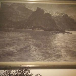 Δυο photos 90X75cm (Το λιμανι του Ηρακλειου και η Σαντορινι )του διασημου Βελγου φωτογραφου Fred Boissonnnas / μοναδικα πρωτοτυπα (λογω της φωτογραφικης τεχνης και των μεσων της εποχης)
