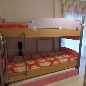 Κουκέτα με συρόμενο τρίτο κρεβάτι