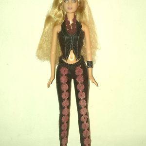"Barbie ""Shakira"" (Mattel, 2001)"